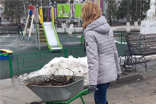 Традиционные весенние субботники в парке культуры и отдыха города Шумерля уже начались