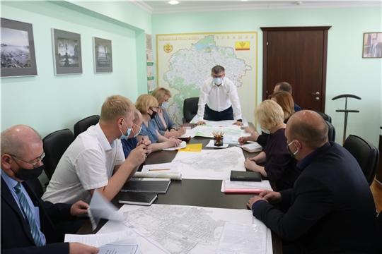 Министр Александр Героев провел рабочее совещание по вопросам модернизации сферы ЖКХ города Шумерля