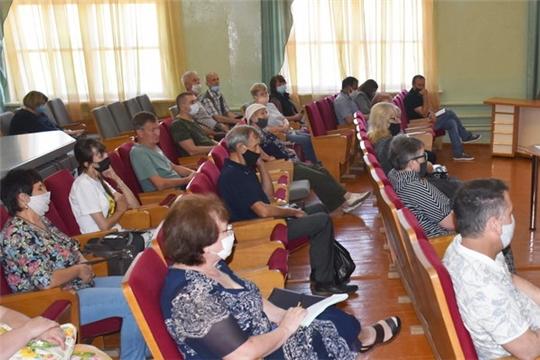 Глава администрации города Шумерля Валерий Шигашев провел рабочую встречу с председателями ТСЖ