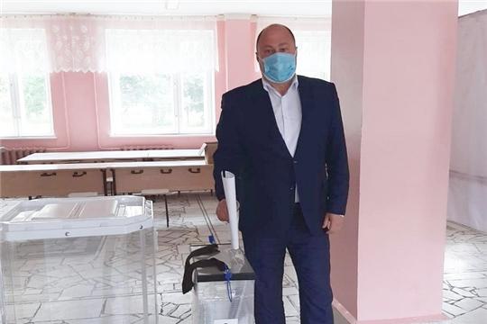 Глава города – Председатель Собрания депутатов Сергей Яргунин принял участие в голосовании по поправкам в Конституцию