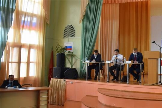 В Шумерле на коммуникационной площадке прошла встреча кандидатов на должность Главы Чувашии с депутатами Собрания депутатов