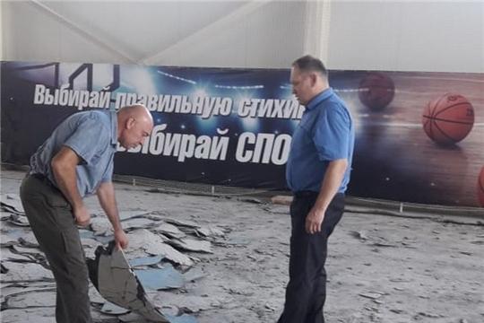 Глава администрации Валерий Шигашев проинспектировал ход работ в физкультурно-оздоровительном комплексе «Олимп»
