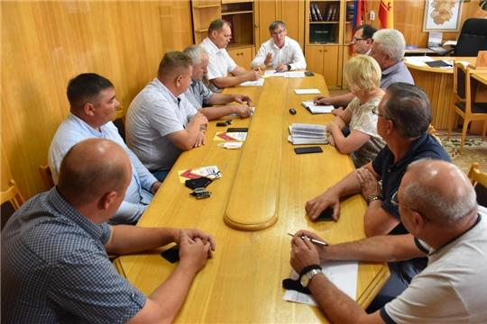 В рамках обсуждения Комплексной программы социально-экономического развития Чувашской Республики рассмотрены актуальные вопросы деятельности жилищно-коммунальной сферы Шумерли