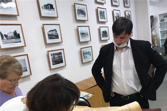 Рабочая встреча в городском музее по подготовке материала для издания книги об истории комбината автофургонов