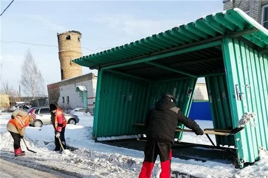 Расчистка остановочных лощадок, проездов, проходов от снега