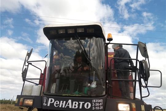 Начальник инспекции Гостехнадзора Чувашии Владимир Димитриев совершил рабочую поездку в Цивильский район