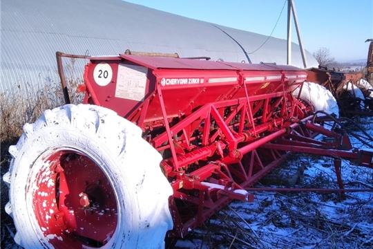 В Янтиковском районе прошла проверка постановки сельхозтехники на зимнее хранение