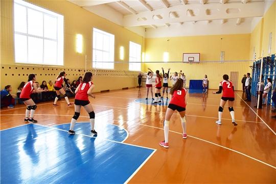 Финальные игры по волейболу среди школьных команд