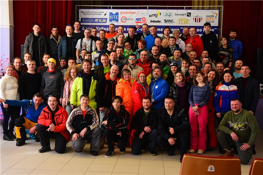 На территории Ибресинского района в 7-й раз проходят соревнования по сноукайтингу