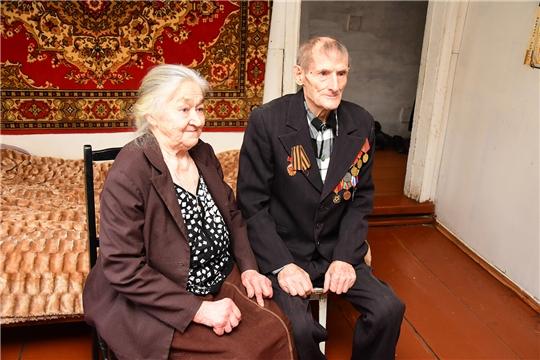 90-летний юбилей отметил житель села Малые Кармалы Александр Иванович Трофимов