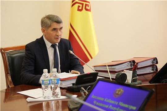 Олег Николаев поручил усилить контроль за соблюдением мер самоизоляции граждан