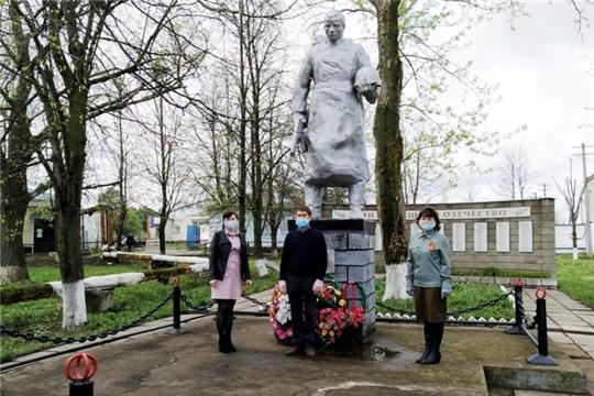 В Новочурашевском сельском поселении состоялось мероприятие по возложению венков к памятникам