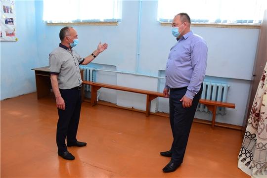 Глава администрации Ибресинского района Сергей Горбунов ознакомился с ходом ремонтных работ