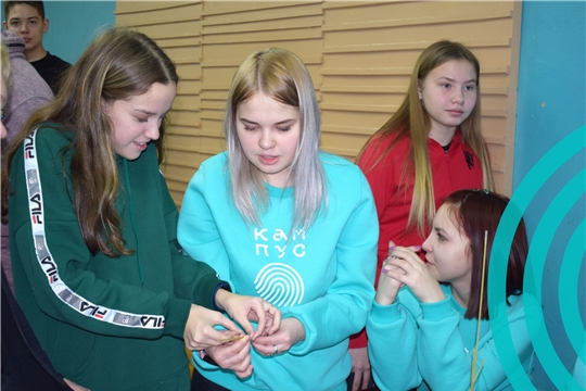 200 школьников Чувашии участвуют в «Кампусе молодежных инноваций «Цифровой акселератор»