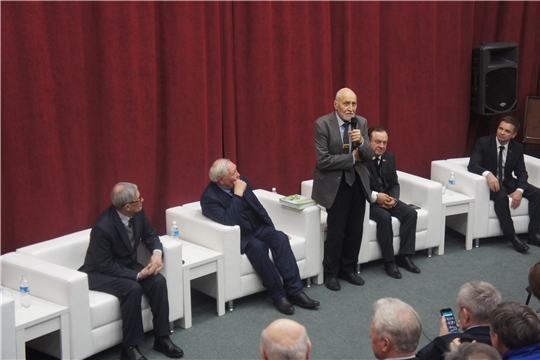Николай Дроздов представил «Экологическую энциклопедию Чувашской Республики»