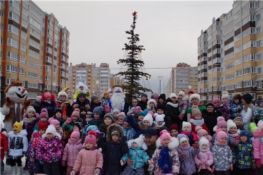 В Калининском районе завершился марафон новогодних представлений