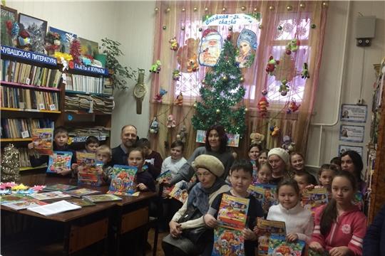 """В канун Старого Нового года вбиблиотеке имени П. Хузангая состоялись посиделки """"Каламбур подарков"""""""