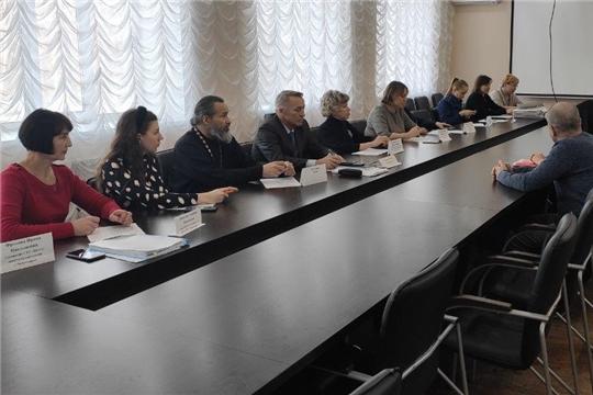 В Калининском районе проведено очередное заседание комиссии по делам несовершеннолетних и защите их прав