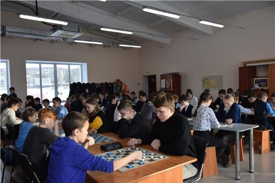 В рамках Месячника оборонно-массовой и спортивной работы в Калининском районе г. Чебоксары определились призеры турнира по русским шашкам «Чудо-шашки-2020»
