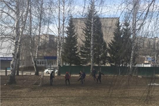 Дружеский футбольный матч между воспитанниками