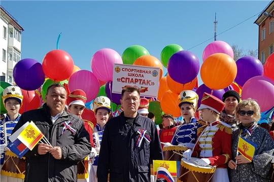 Поздравление главы администрации Калининского района города Чебоксары Я.Л. Михайлова с праздником Весны и Труда
