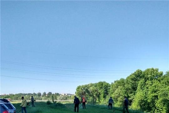В городе Чебоксары завершается покос травы