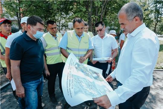 Алексей Ладыков: благодаря выросшему в 15 раз финансированию в Чебоксарах впервые благоустраивается 110 дворов