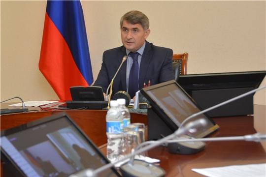 Олег Николаев поручил провести ревизию мер поддержки материнства и детства, а также отправил специальный «десант» в районы республики