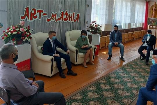 Прошла рабочая встреча главы администрации Комсомольского района Александра Осипова с представителями мусульманских общин