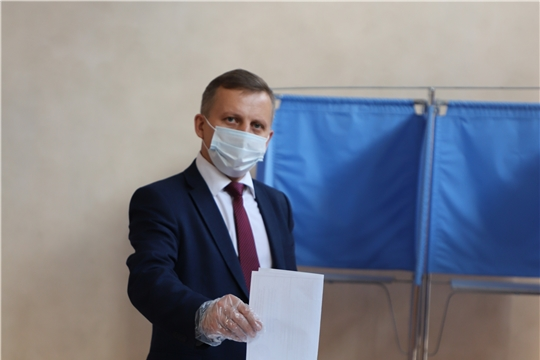 Глава администрации А.Н. Осипов проголосовал за внесение поправок в Конституцию РФ