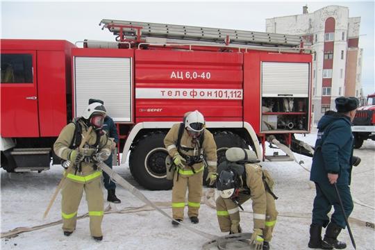 12 февраля личным составом ПЧ-32 с. Красноармейское проведено пожарно-тактическое учение в здании спортивного комплекса Заволжского ЛПУМГ