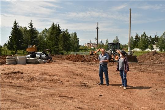 Глава администрации района А. Н. Кузнецов посетил КФХ Степанова В.Ю. и проверил ход строительных работ