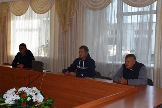 Глава администрации района А.Н. Кузнецов провел совещание по вопросу ремонта в многоквартирном доме