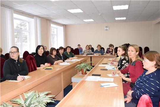 Кадровым работникам и бухгалтерам Красночетайского района рассказали об электронных трудовых книжках.