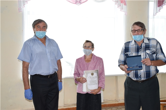 Семья Катейкиных удостоена медали «За любовь и верность».