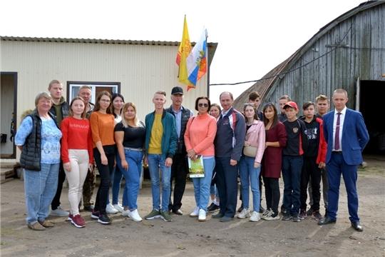 Студенты и магистранты Чувашского ГАУ познакомились с опытом работы Семенной технологической компании 21 в Красночетайском районе