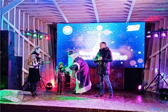 """Ленинский район отпраздновал """"Новый год с Дорисс-парком"""""""