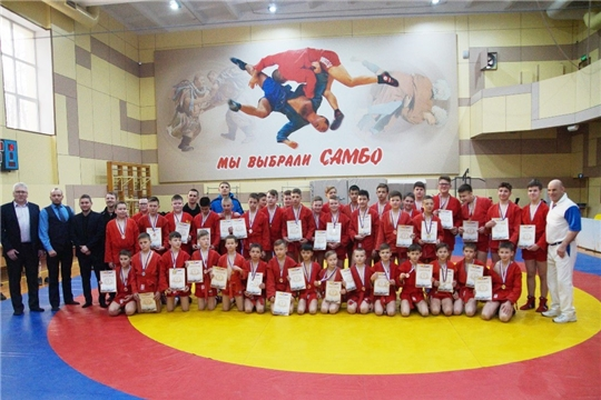 В Ленинском районе состоялось открытое первенство по самбо среди юношей