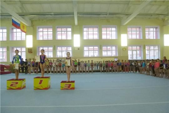 В Ленинском районе состоялся турнир по спортивной гимнастике среди девушек, посвященный Международному женскому дню