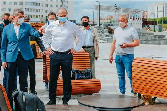 Олег Николаев проинспектировал ход реконструкции Красной площади города Чебоксары