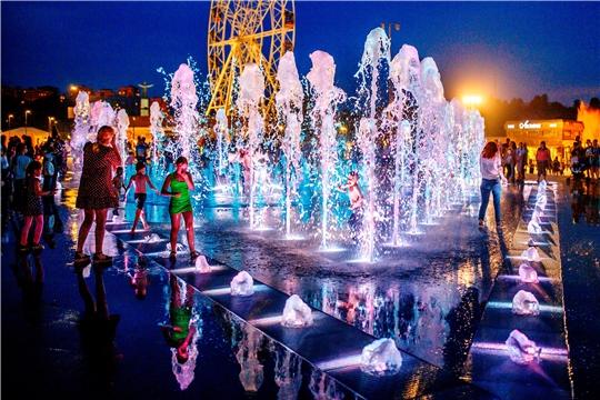 Фонтан на Красной площади Чебоксар готовят к осенне-зимнему сезону