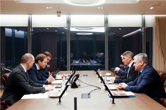 Олег Николаев обсудил с Министром промышленности и торговли Российской Федерации Денисом Мантуровым программу развития Чувашии
