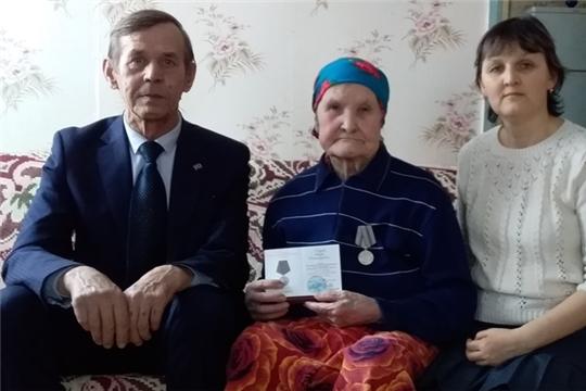 В Мариинско-Посадском районе продолжаются награждения ветеранов войны и тружеников тыла юбилейными медалями