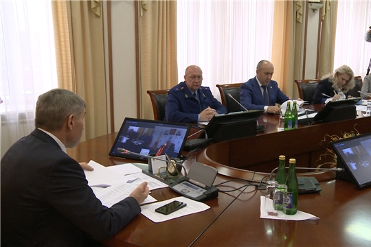 Олег Николаев отметил необходимость активизации работы мобильных групп в связи с обострением ситуации по распространению коронавируса