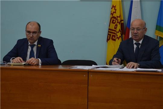 На рабочем совещании при главе администрации Мариинско-Посадского района подвели итоги минувшей недели и наметили планы на будущее