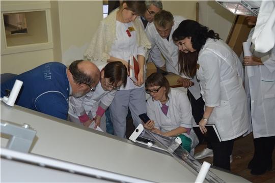 Более 200 единиц оборудования поступило в Новочебоксарскую городскую больницу в рамках нацпроекта «Здравоохранение»