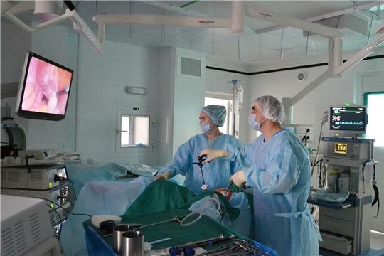 Врачи онкологического диспансера совершенствуют технологии выполнения онкогинекологических операций с использованием нового оборудования