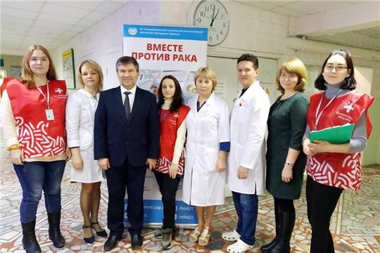Выездная бригада онкодиспансера провела прием пациентов и обучающие семинары в Красночетайском районе