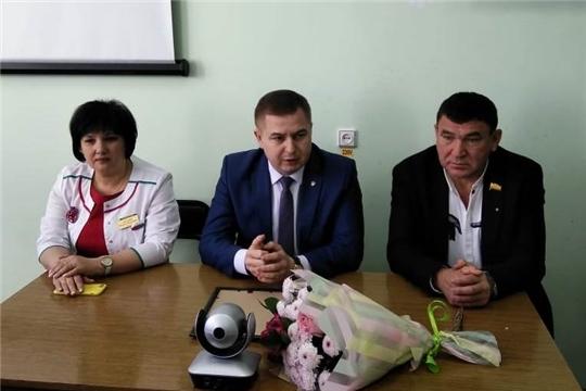Рабочий визит Владимира Степанова в Урмарскую районную больницу