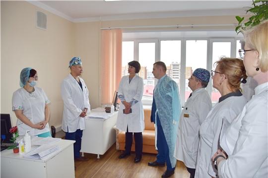 И.о. министра здравоохранения Владимир Степанов ознакомился с деятельностью Республиканской клинической больницы
